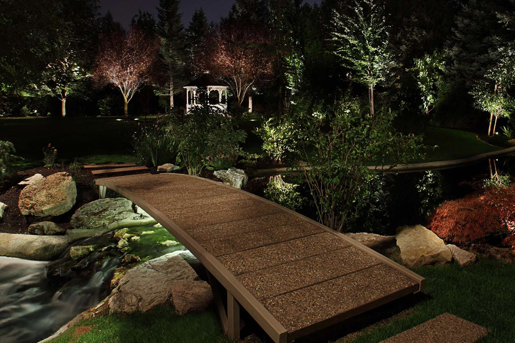 Pathway and step lighting ideas and pictures for Step up garden designs