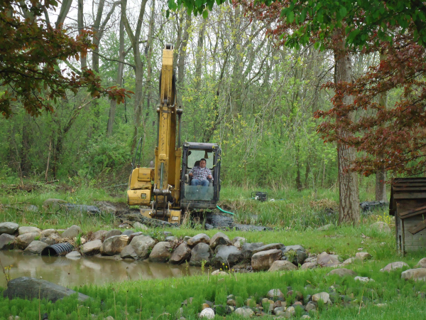 Flint michigan pond maintenance service michigan genesee for Pond service