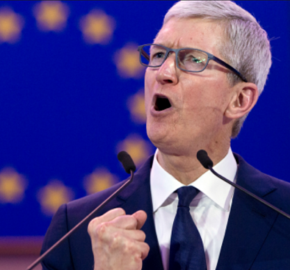 Apple CEO Tim Cook in Brussel