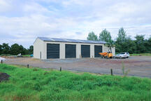 Having 4 bays enable easy storage and access to your shed