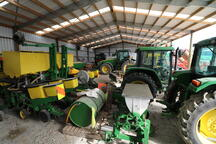 Tractor shed with 6 bays