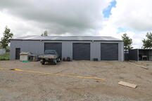 Lockup shed with 3 bays NZ