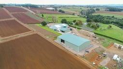 Produce storage shed