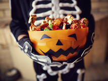 The Five Best and Worst Halloween Candies for Your Teeth