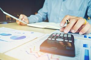 analyzing-revenue