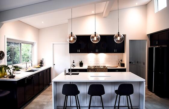 a-modern-kitchen-in-a-contemporary-black-and-white-design_t20_W7PNlL-1-096629-edited