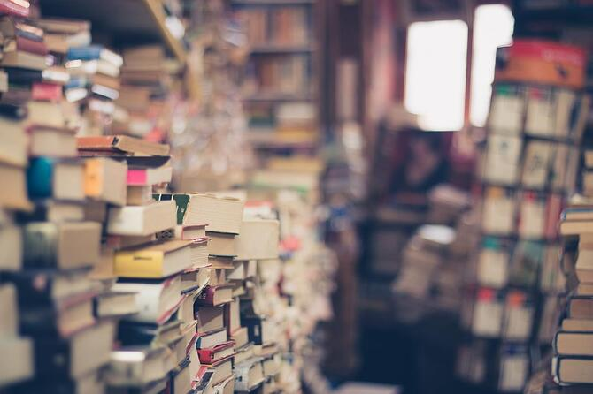 books-content-messy-1300