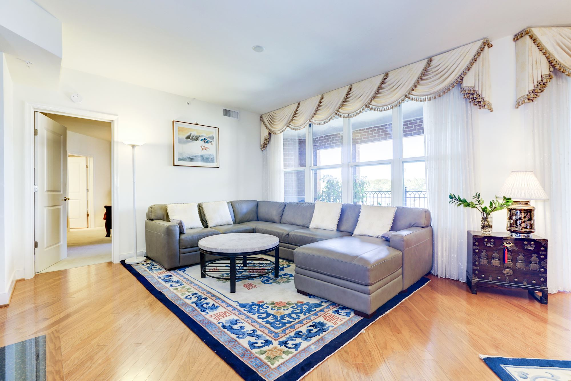 NEW LISTING: Beautifully Maintained 2BR/2BA Unit in Potomac, MD