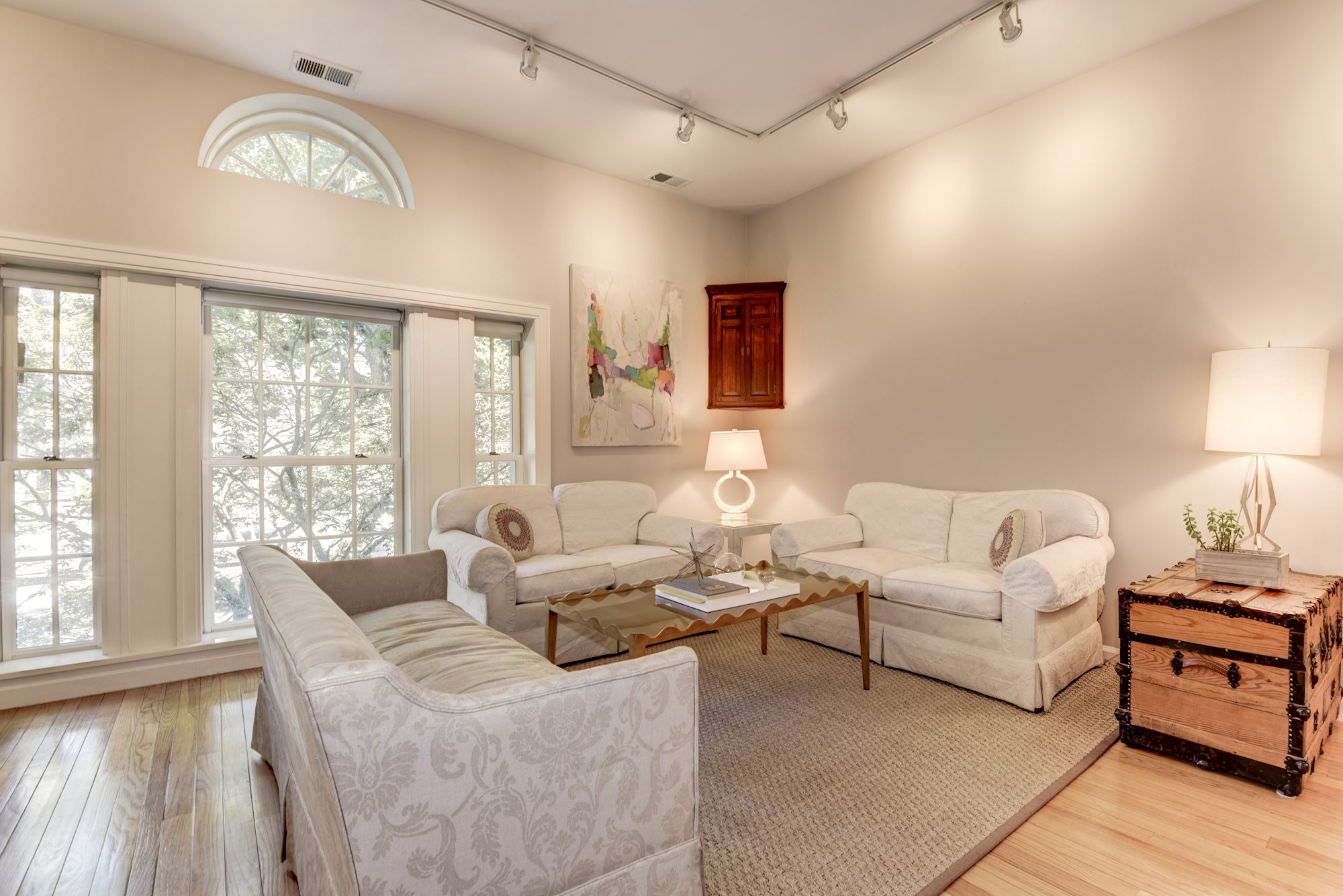SOLD: 1 BD Stonesdale Condo in Great DC Location