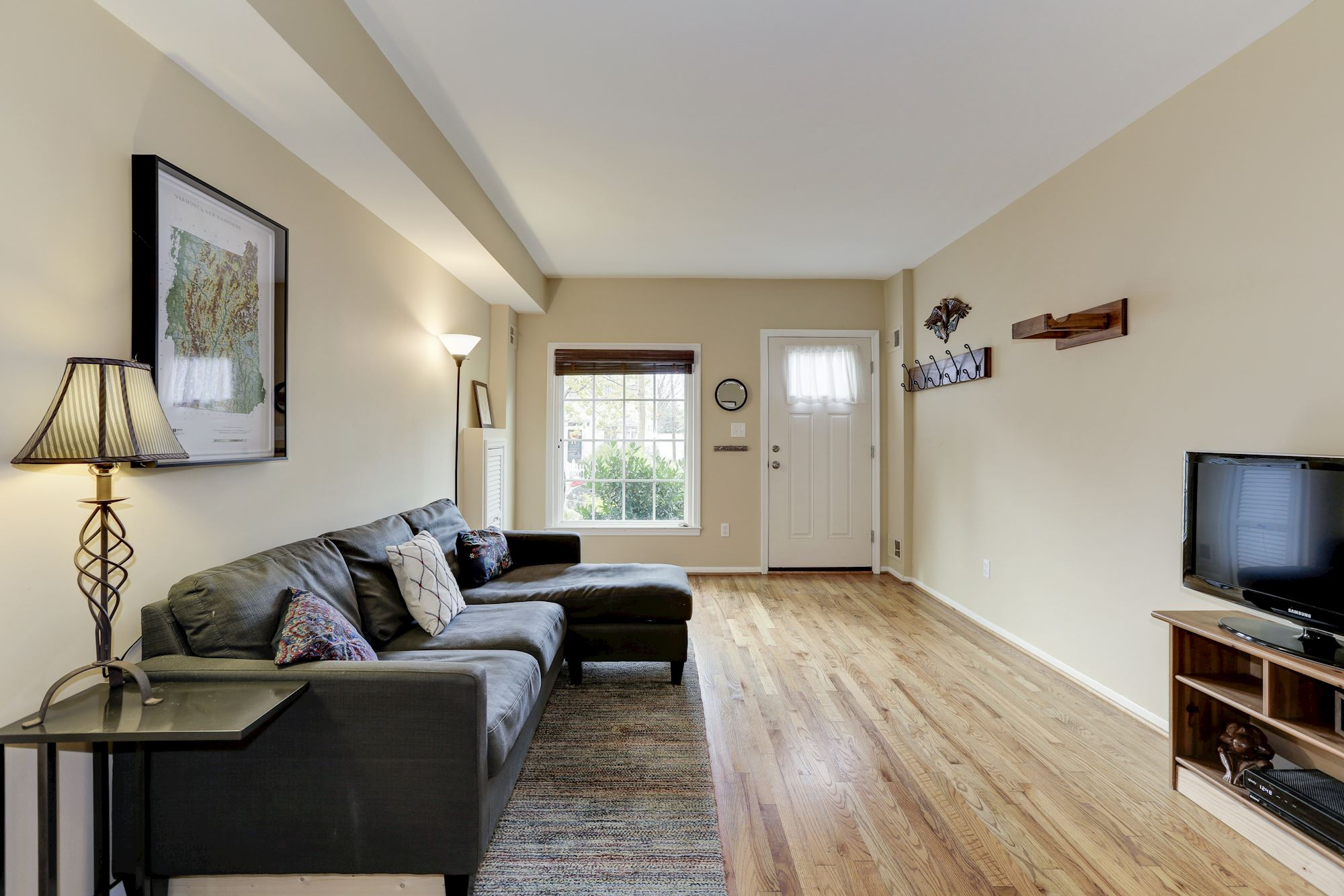 NEW LISTING: 2 BD Townhome in Excellent Washington, DC location!