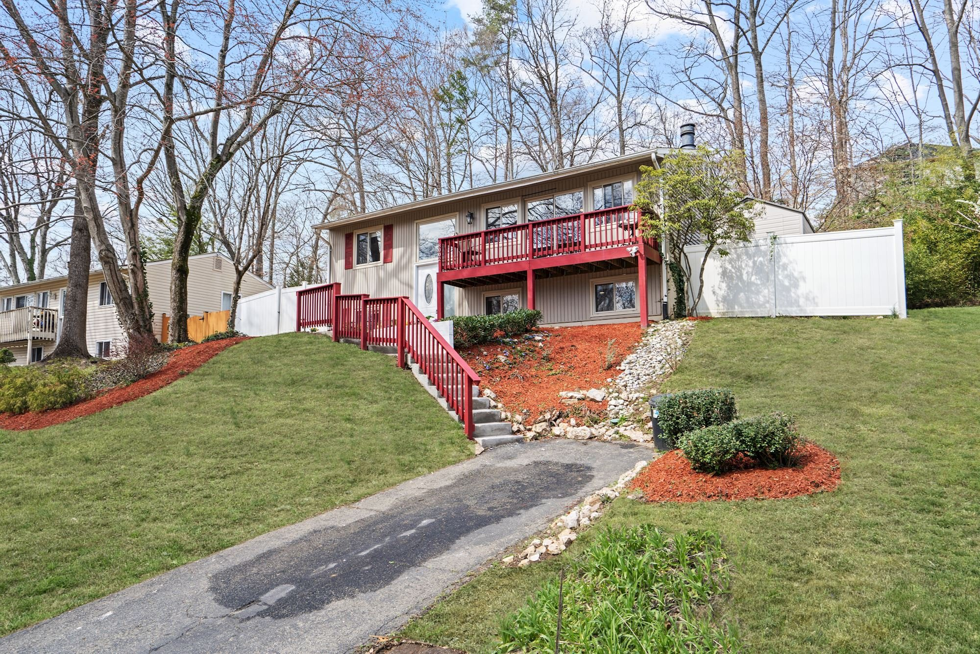 NEW LISTING: Updated Turnkey Single Family in Springfield,VA