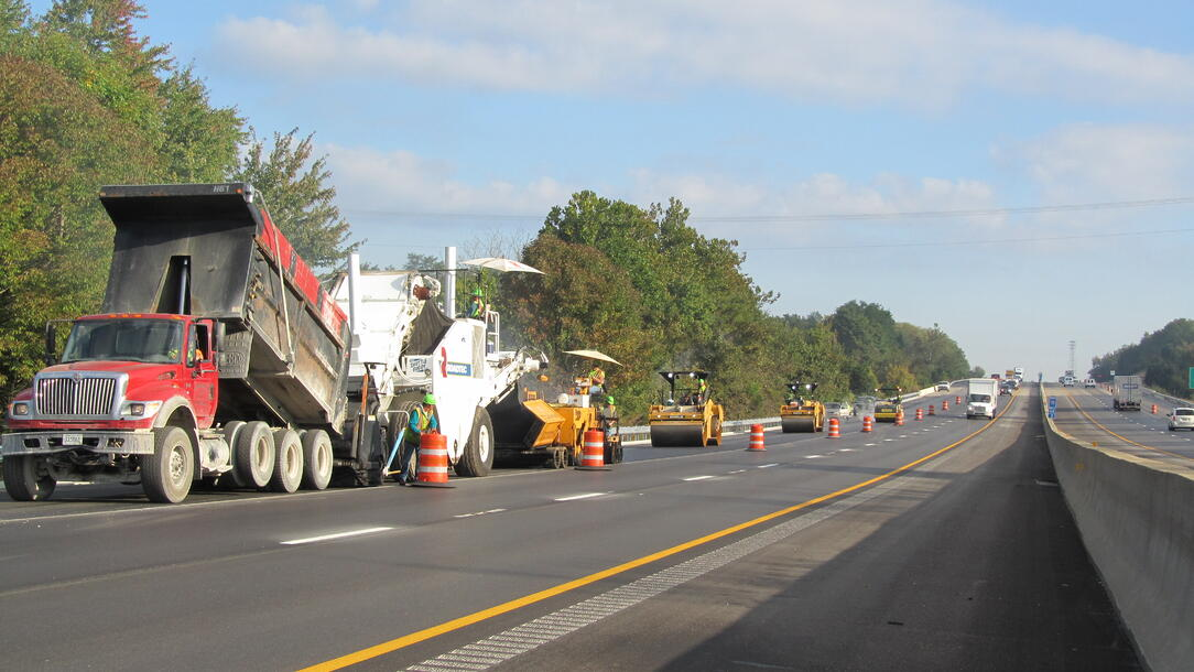 Hamilton-Hinkle Paving Utilizes Real-Time Mobile App for Paving
