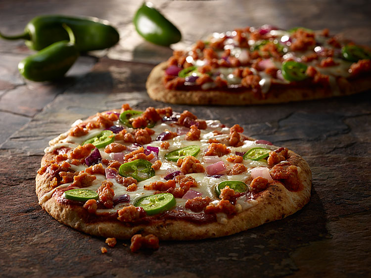 fiery sriracha pizza