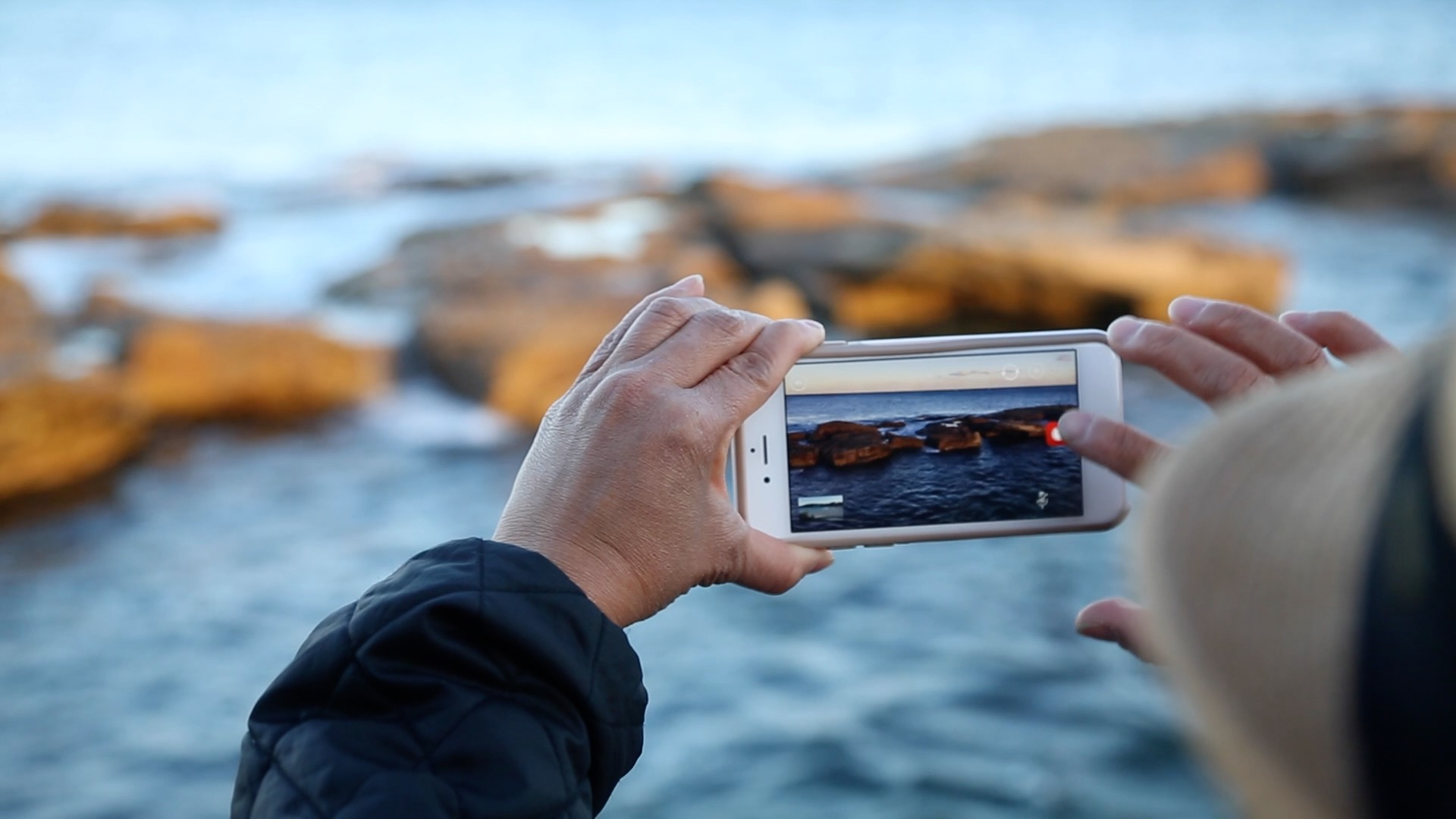 How to crowdsource a video blog marketing campaign