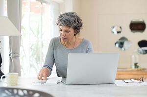 Bill Paying Chaotic? The Surprisingly Simple Way Financial Advisors Pay Bills
