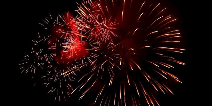 fireworks-1047398_1280-2