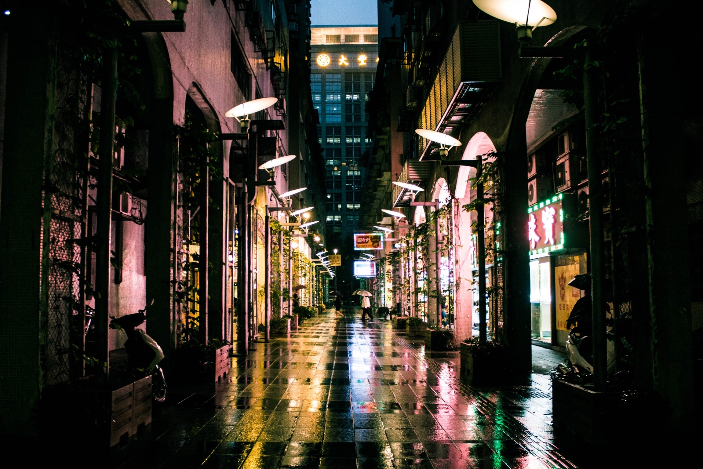 city-cityscape-street-alley-street-lights_t20_wQzO2W