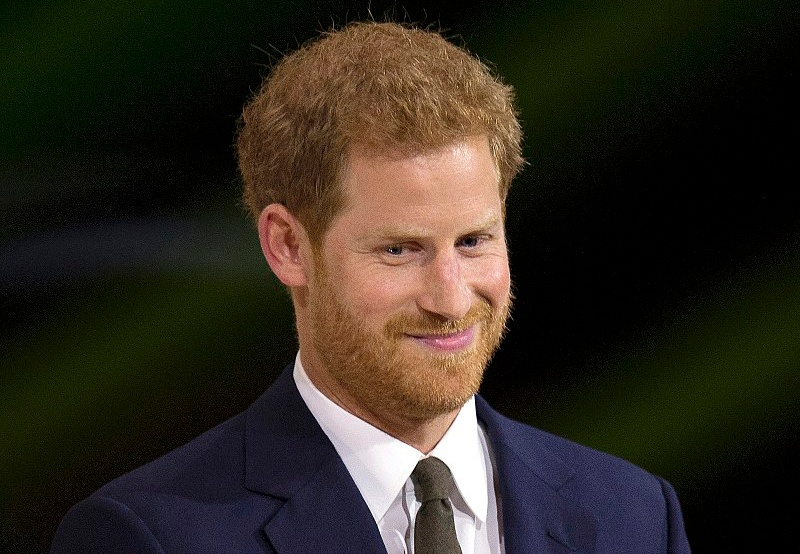 800px-Prince_Harry_at_the_2017_Invictus_Games_opening_ceremony