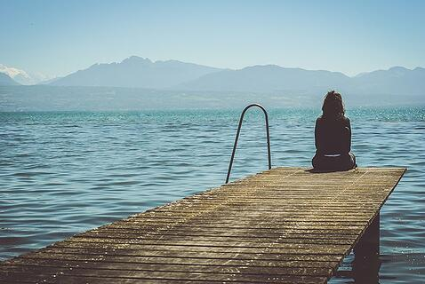 girl_on_dock