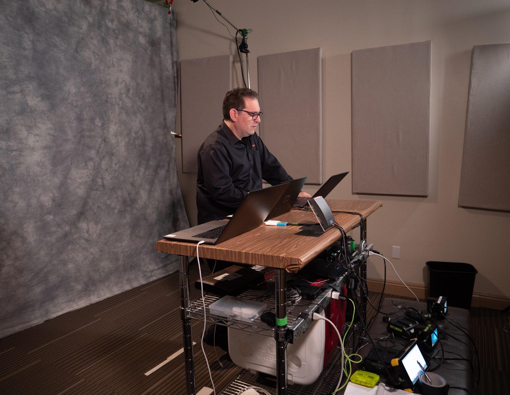 kevin_mitnick_studio_recording_2019