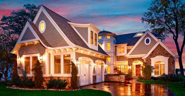 casa con luces prendidas