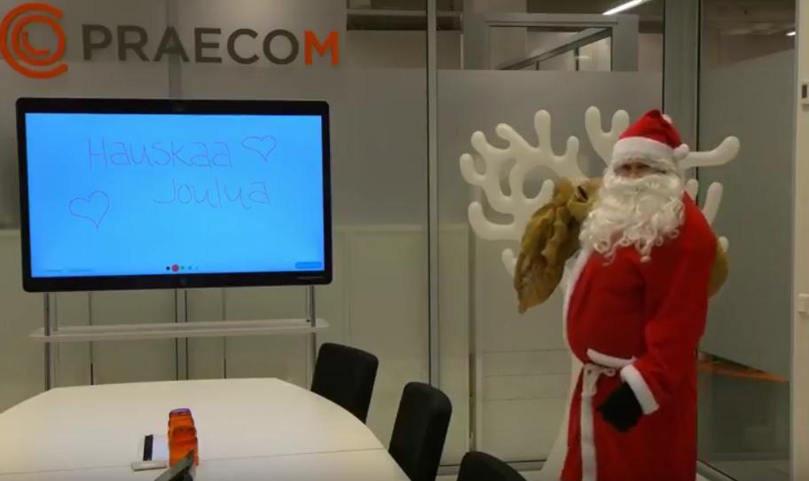 Iloista Joulua toivottaa Praecomin väki