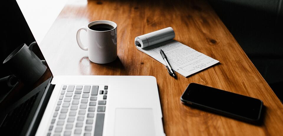 Tutkimus: Etätyökö harvojen oikeus? 95% suomalaisista yrityksistä sallii etätyön