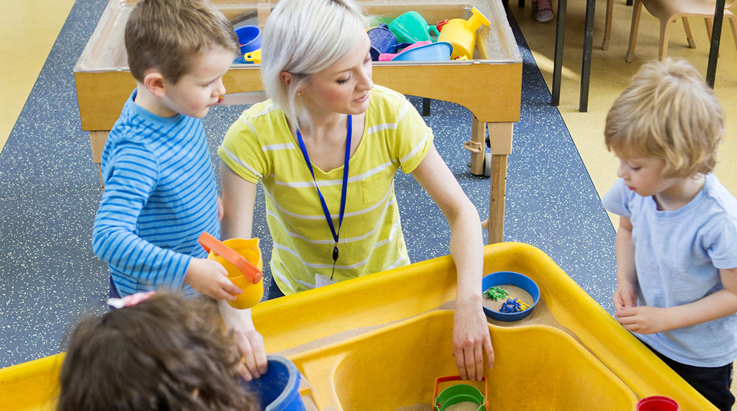 children play1