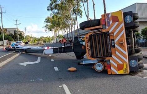 Crane rollover in Brisbane