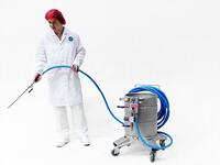 Mobile cleaning tank