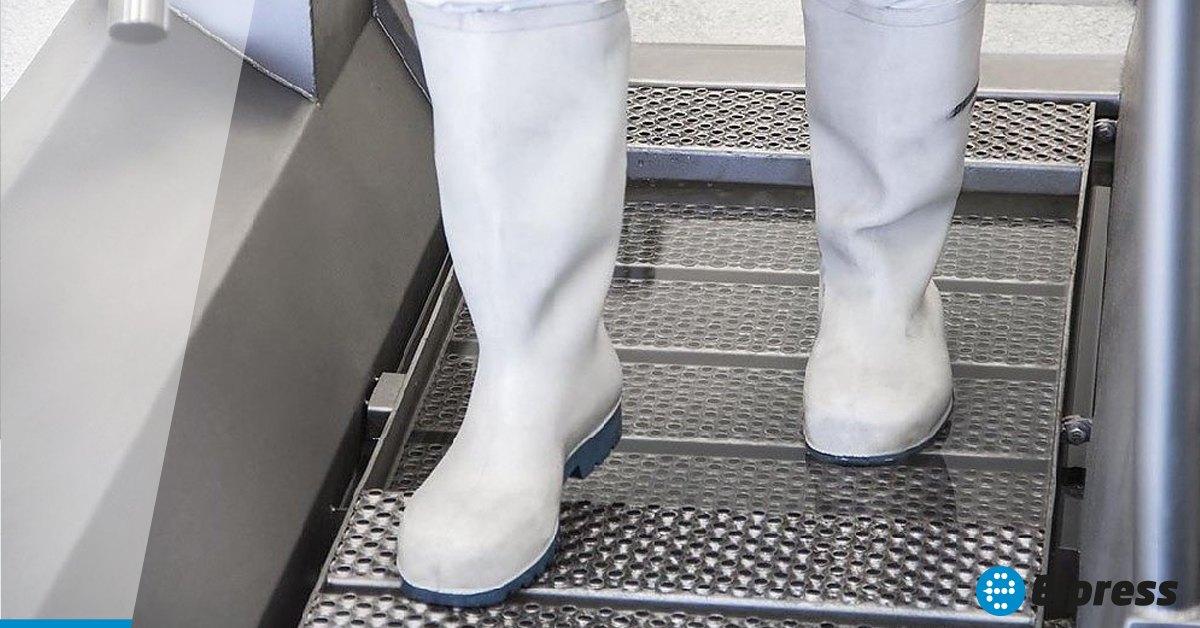 Laarzen reinigen volgens de BRC