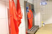 Stacja czyszczenia fartuchów i butów
