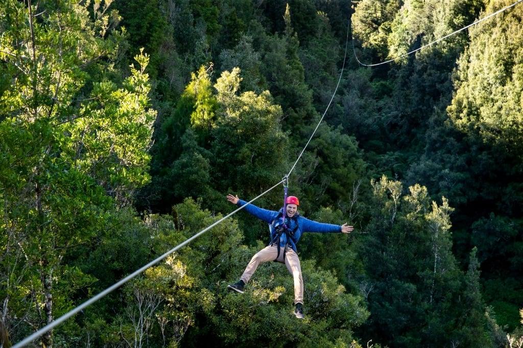 ziplining-locations-around-the-world-rotorua-canopy-tours