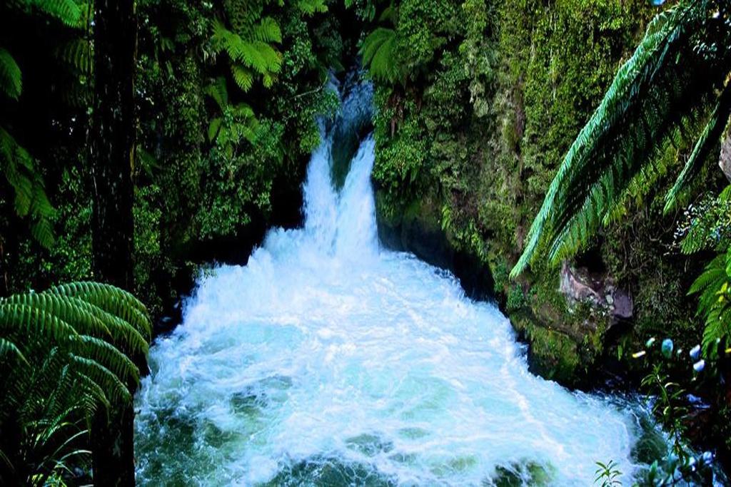 Untitled-2 okere falls