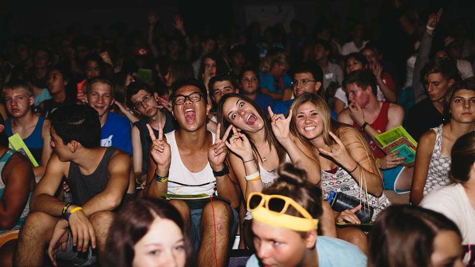 camp_crowd_fun