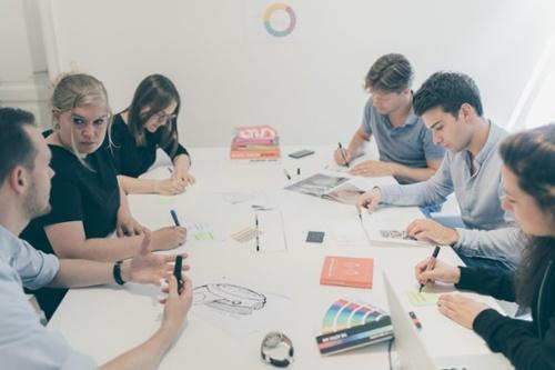 De impact van kleur voor creatief bureau Absintt