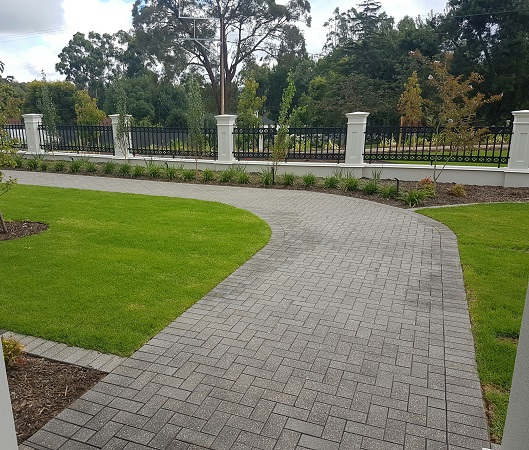 Paving Patterns for Residential Pathways and Driveways