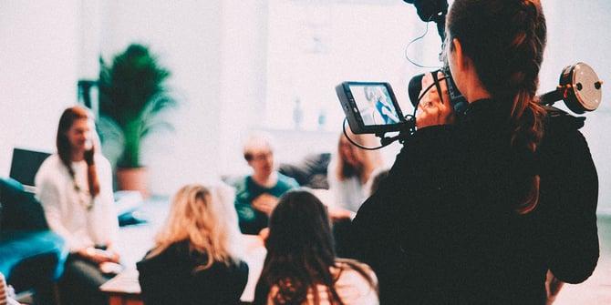 Screen-&-Media-Collarts-2x1