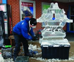 Ice_Carving_Winter_Fest.jpg