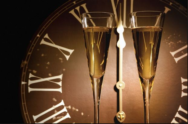 new years eve clock and flutes pix