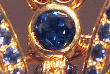 220px-Detail_-_Conchita_Sapphire_Butterfly_head_with_Yogo_sapphire_crop_-_2011-01-07