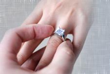 engagement-ring-blog-image_1