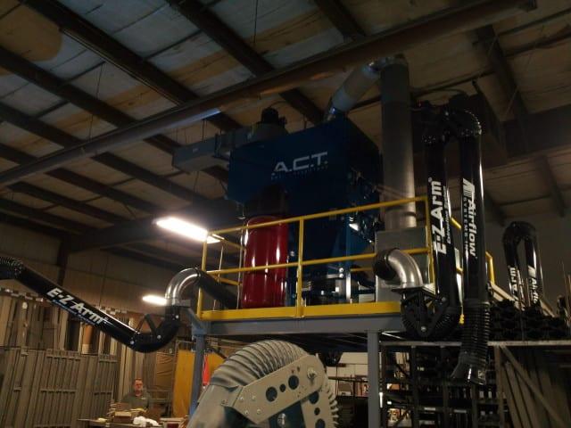 焊接烟雾:制造门的公司......