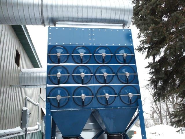 焊接烟雾:北部拖车制造商......