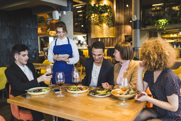 8 Benefits of using a Restaurant Survey Software