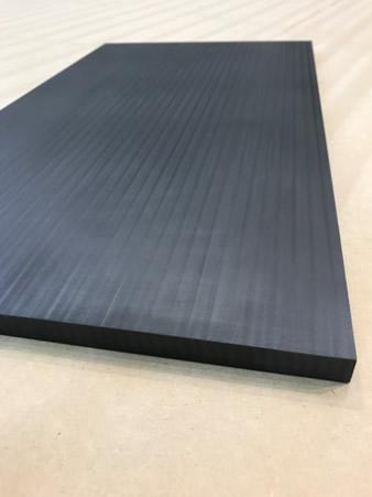 在LSAM上印刷和加工50%碳纤维填充PPS面板
