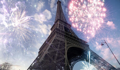 LRparis-tour-eiffel-feu-d-artifice1200x700
