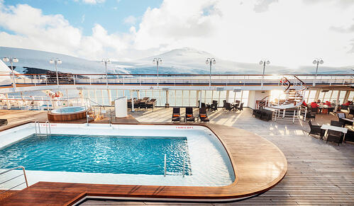 silversea-ship-silver-cloud-public-area-pool-deck-1