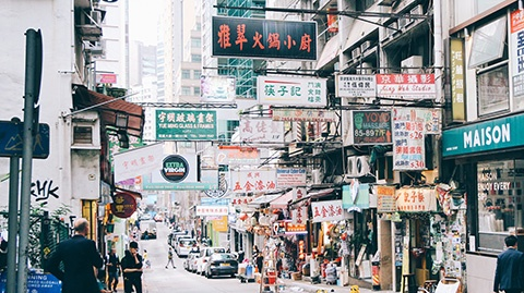 3 Reasons Hong Kongers HATE Online Shopping