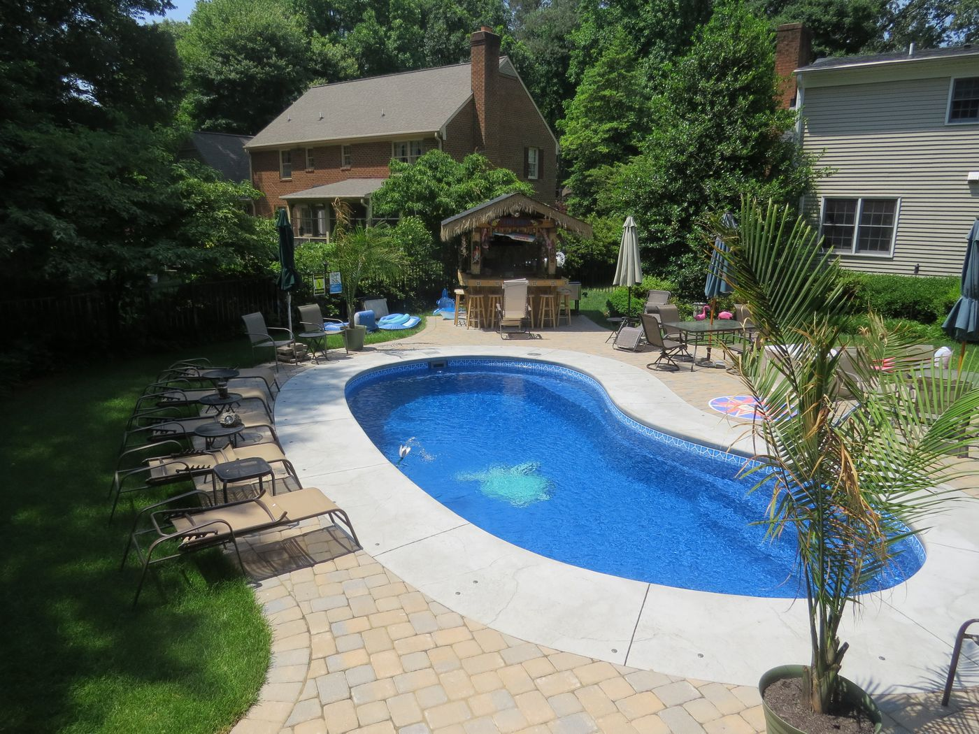 Fiberglass pool installed by river pools and spas yorktown va for Pool shapes with spa